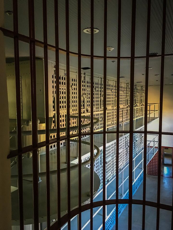 Prison-105